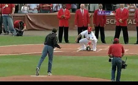 Obama pitch 3